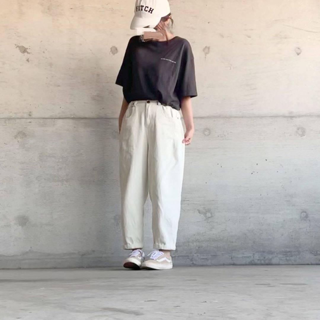 最高気温24度・最低気温21度 ___.ncnの服装