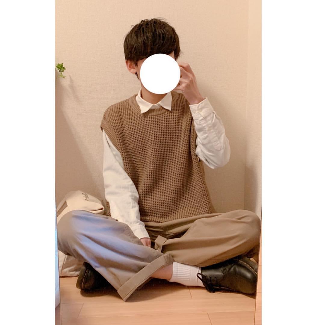 最高気温23度・最低気温15度 _fuku_990730の服装