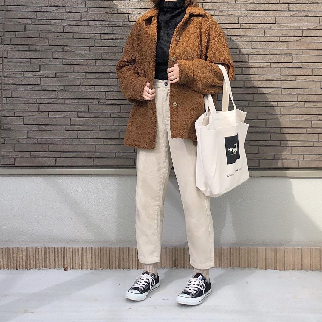 最高気温18度・最低気温5度 _mayu123_の服装