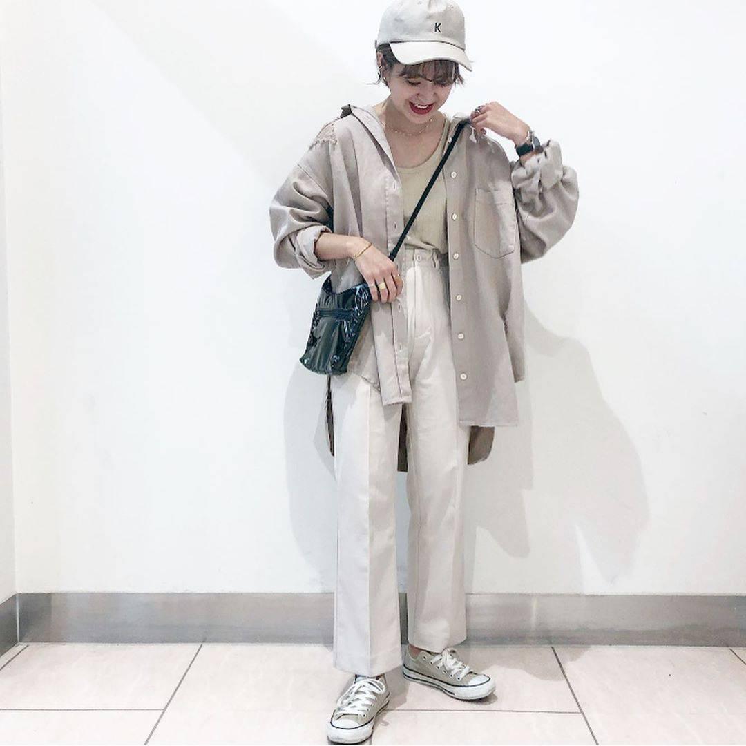 最高気温33度・最低気温26度 aikachaaanの服装