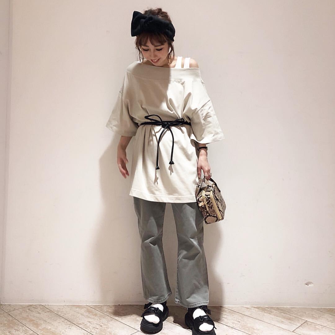 最高気温19度・最低気温11度 akaririri_1022の服装
