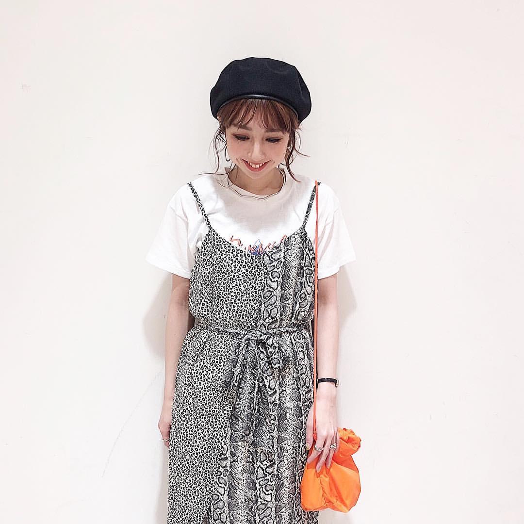 最高気温25度・最低気温16度 akaririri_1022の服装