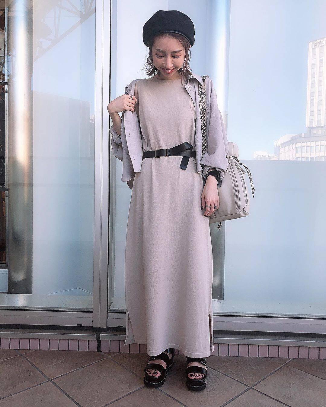 最高気温34度・最低気温25度 akaririri_1022の服装