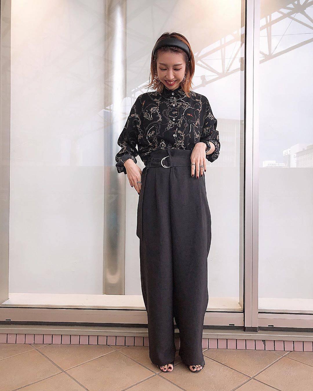 最高気温32度・最低気温23度 akaririri_1022の服装