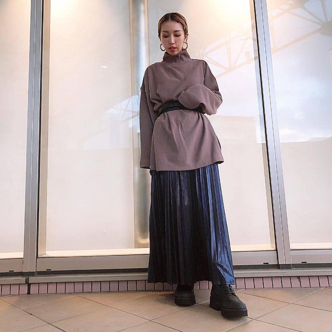 最高気温33度・最低気温25度 akaririri_1022の服装