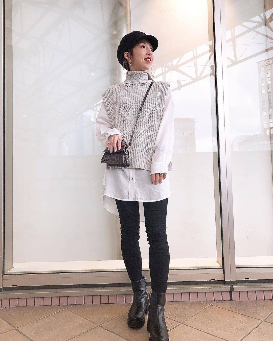 最高気温25度・最低気温19度 akaririri_1022の服装