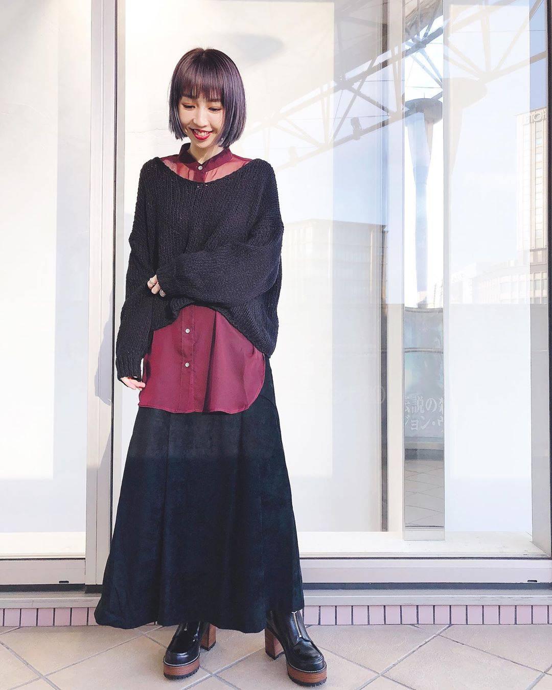 最高気温28度・最低気温20度 akaririri_1022の服装