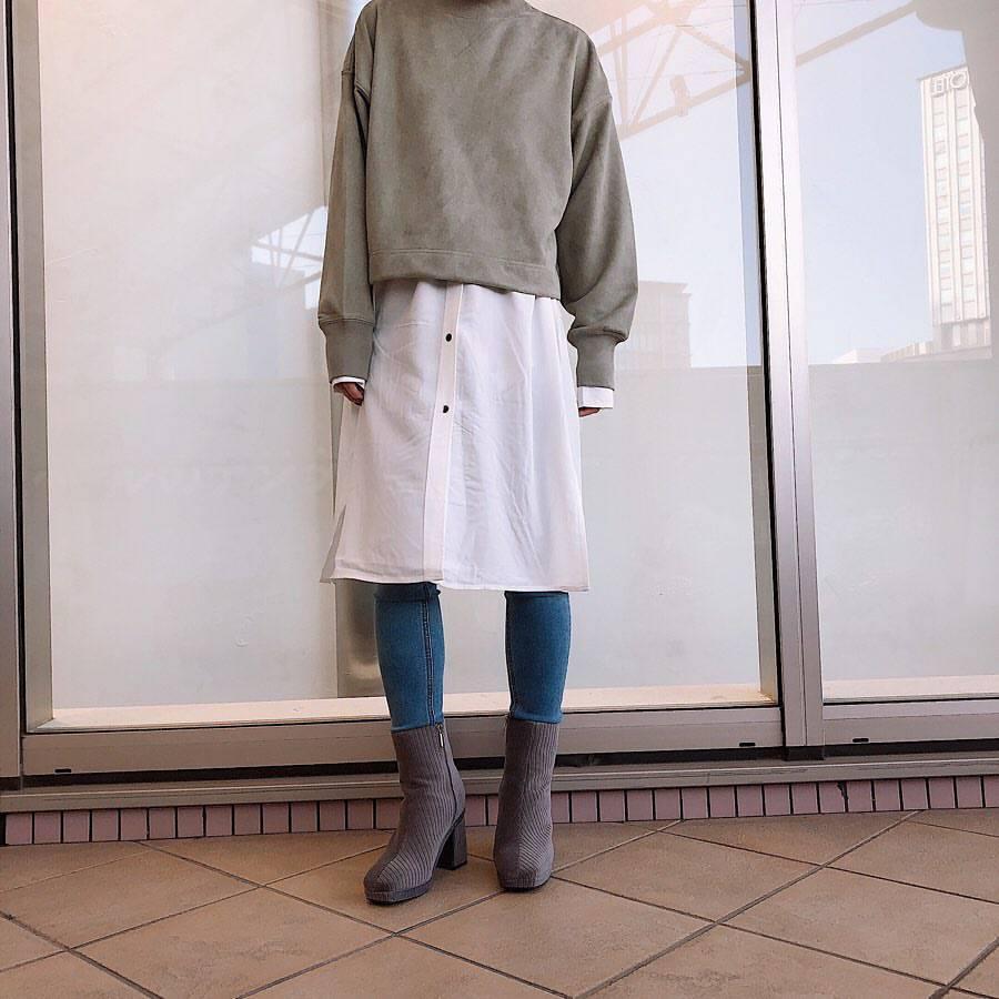 最高気温23度・最低気温16度 akaririri_1022の服装