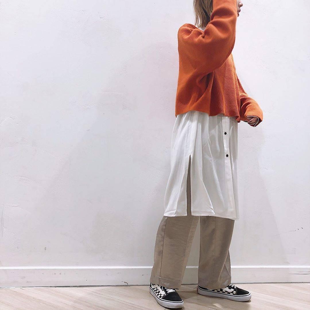 最高気温17度・最低気温11度 akaririri_1022の服装