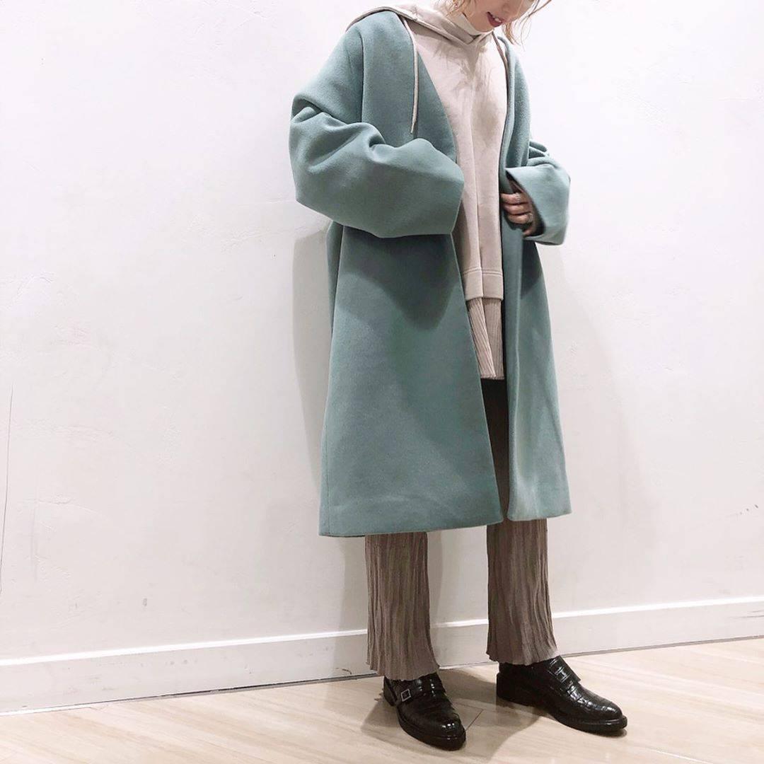 最高気温18度・最低気温9度 akaririri_1022の服装