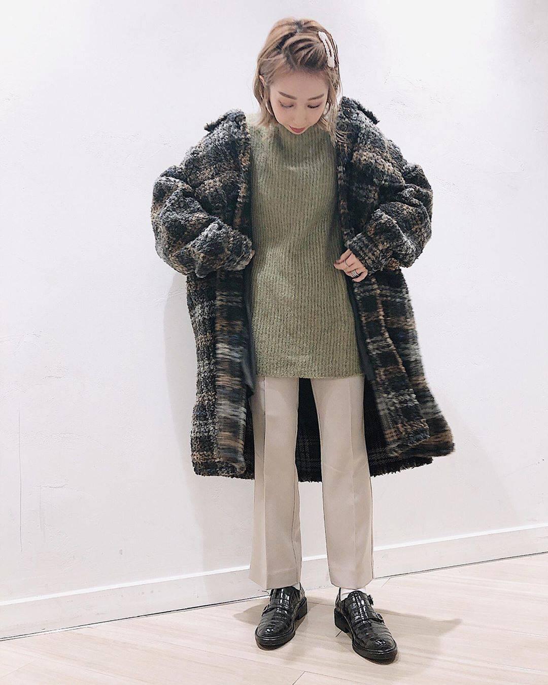 最高気温9度・最低気温3度 akaririri_1022の服装