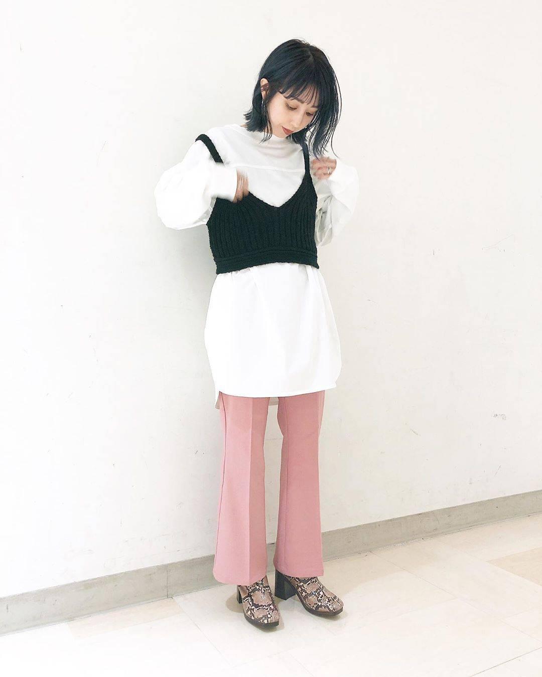 最高気温14度・最低気温2度 akaririri_1022の服装