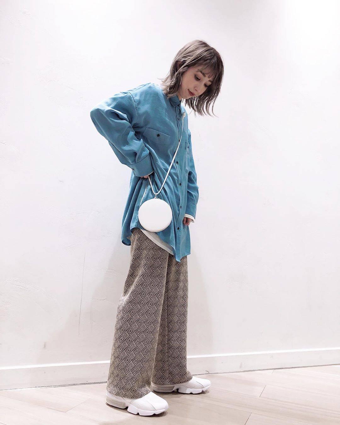 最高気温15度・最低気温2度 akaririri_1022の服装