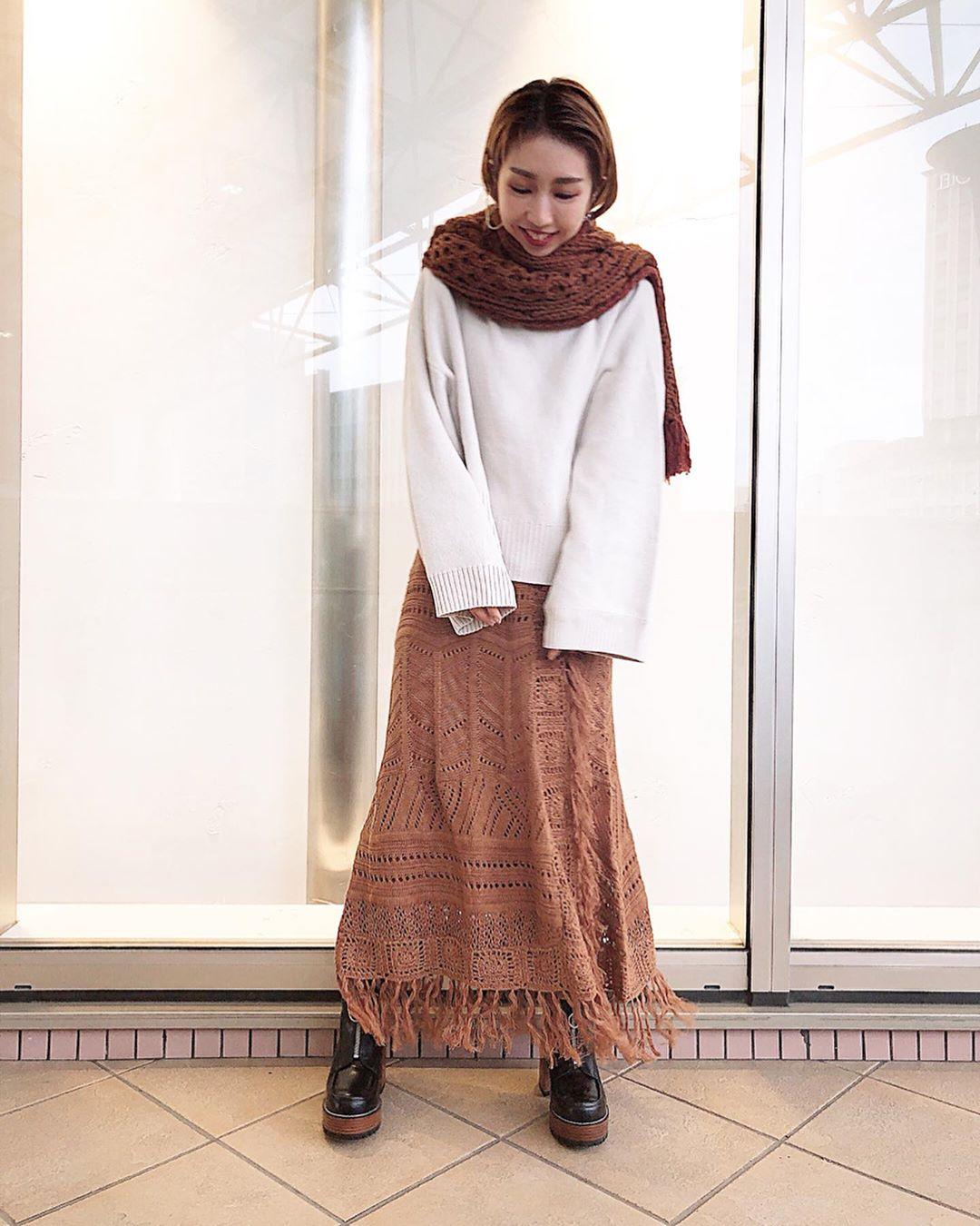 最高気温19度・最低気温14度 akaririri_1022の服装