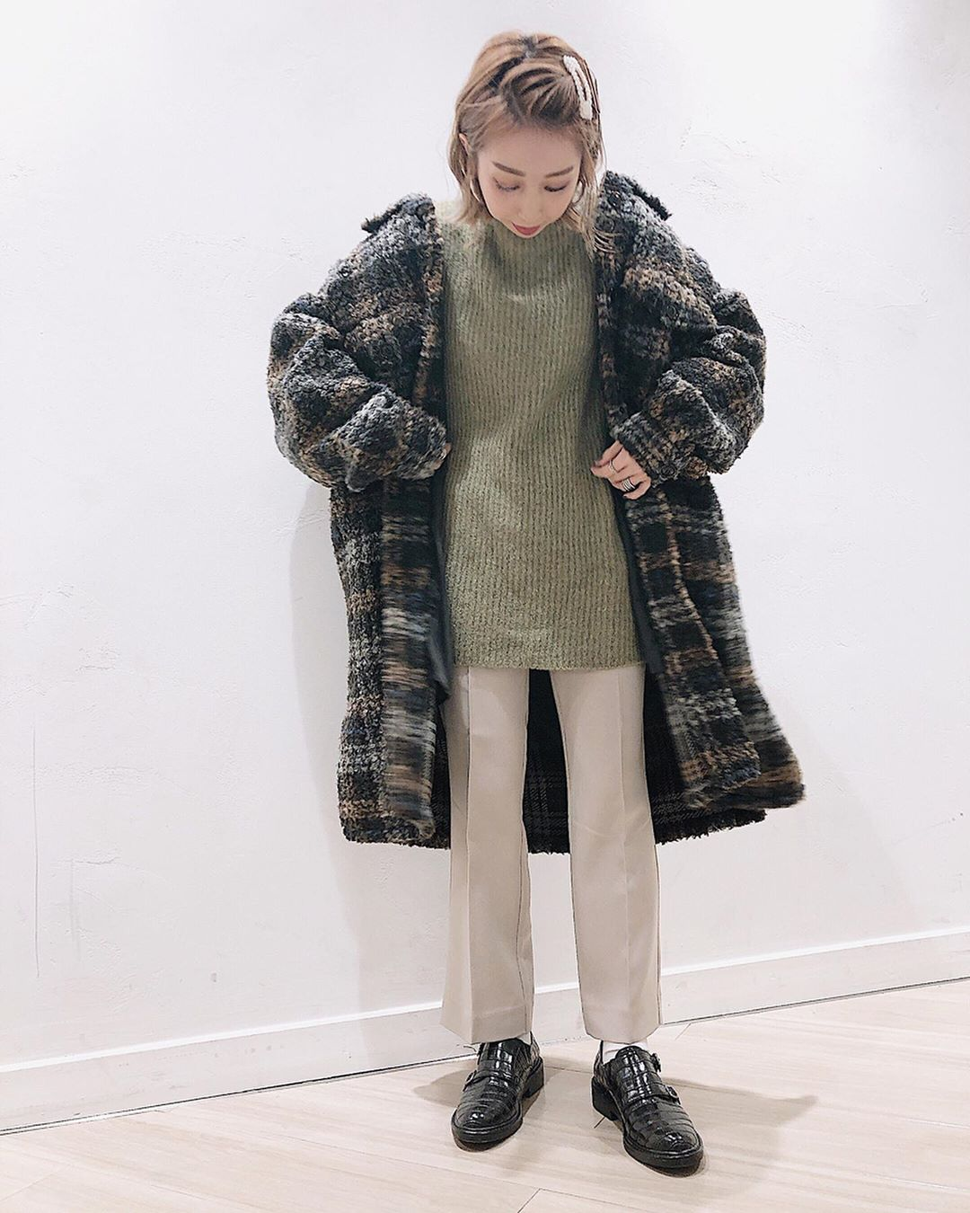 最高気温15度・最低気温7度 akaririri_1022の服装