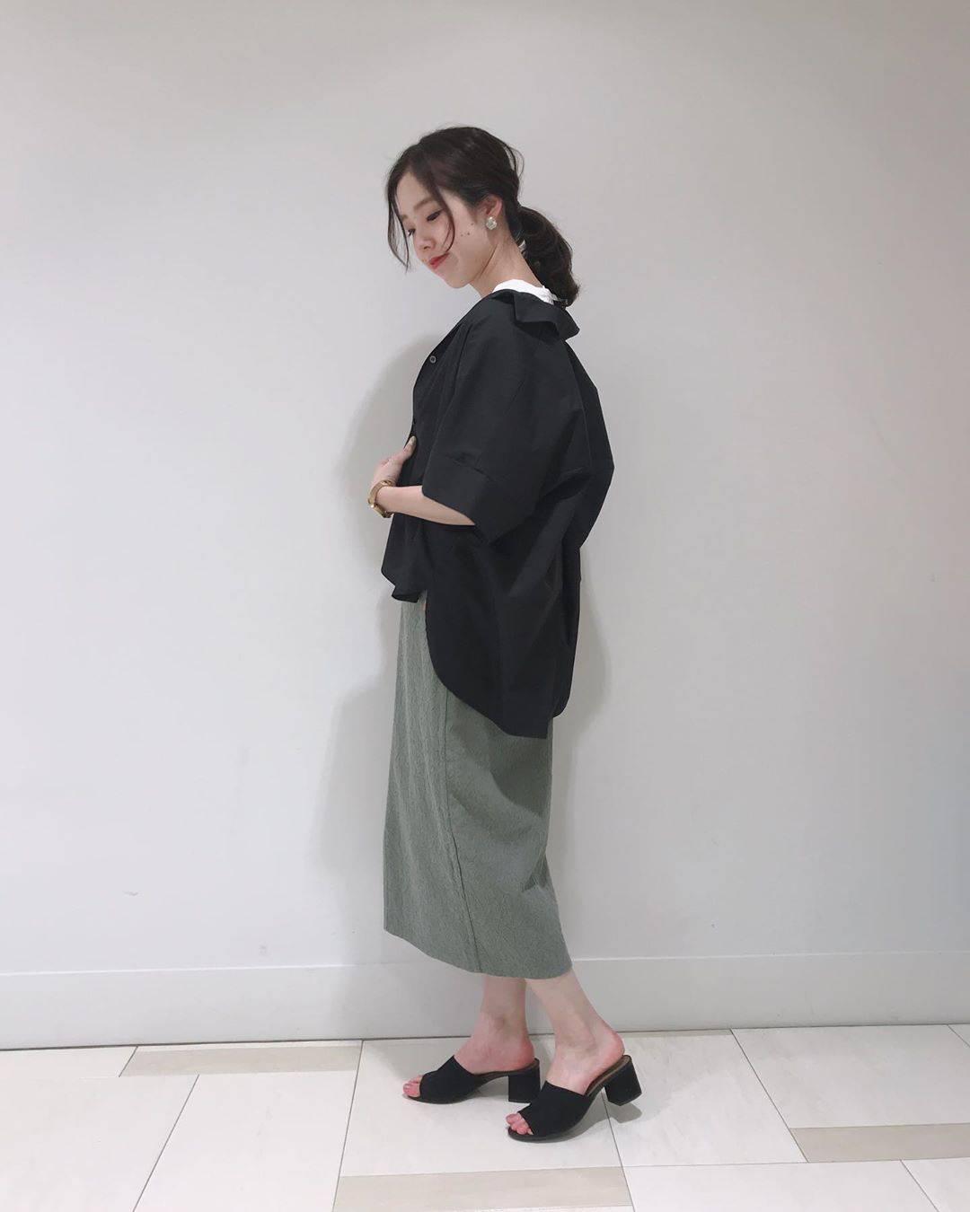 最高気温31度・最低気温17度 hikari_k0122の服装