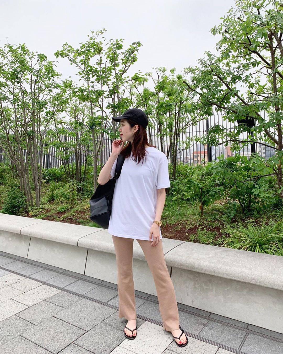 最高気温26度・最低気温20度 hikari_k0122の服装