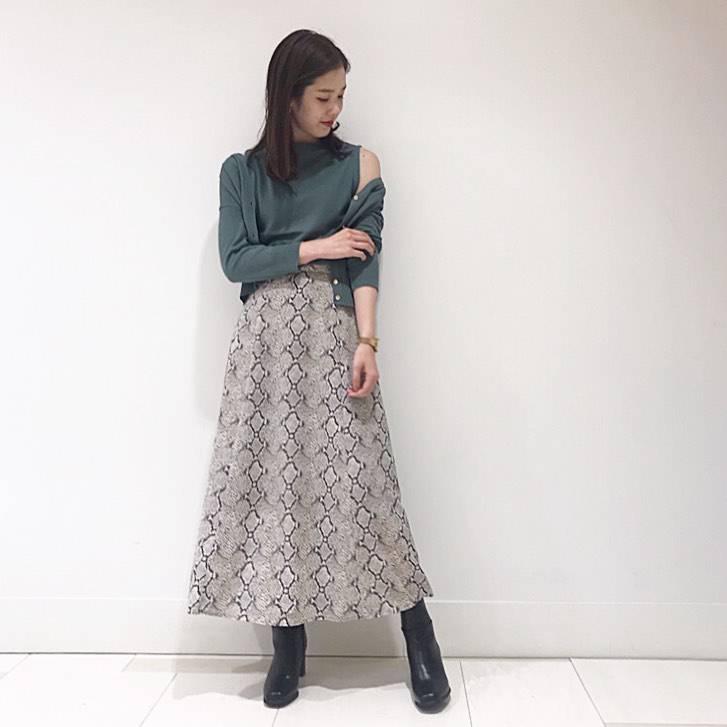 最高気温23度・最低気温20度 hikari_k0122の服装