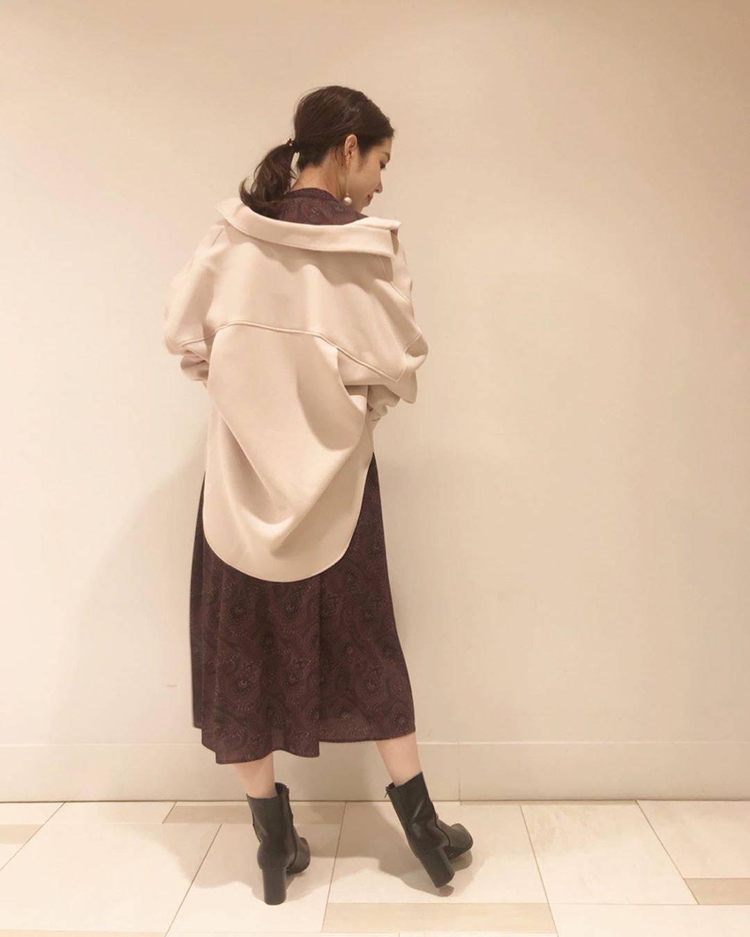 最高気温30度・最低気温21度 hikari_k0122の服装