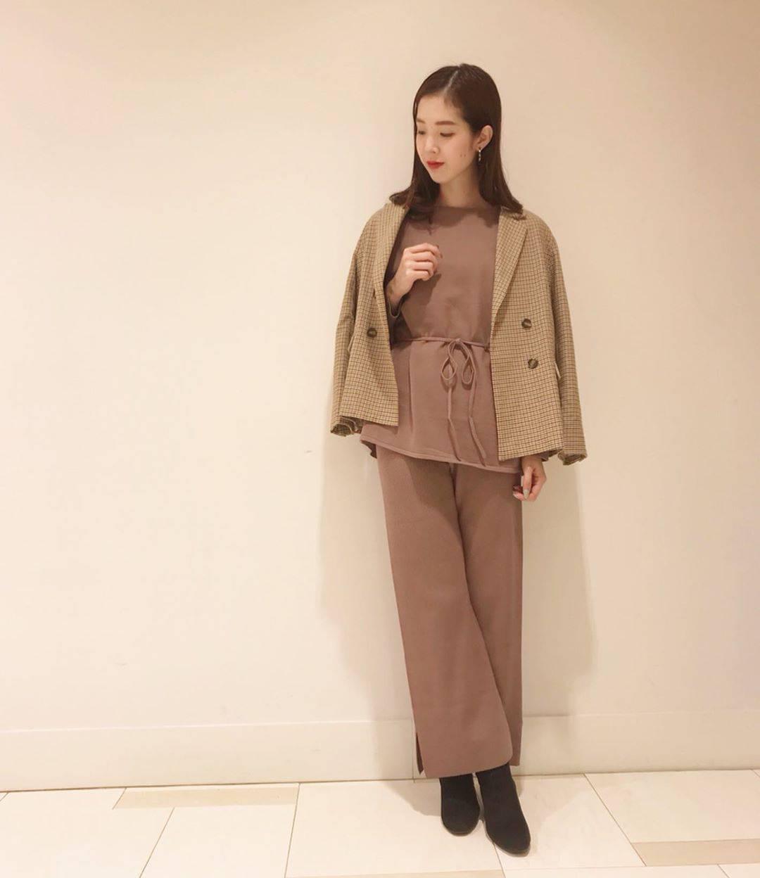 最高気温25度・最低気温15度 hikari_k0122の服装