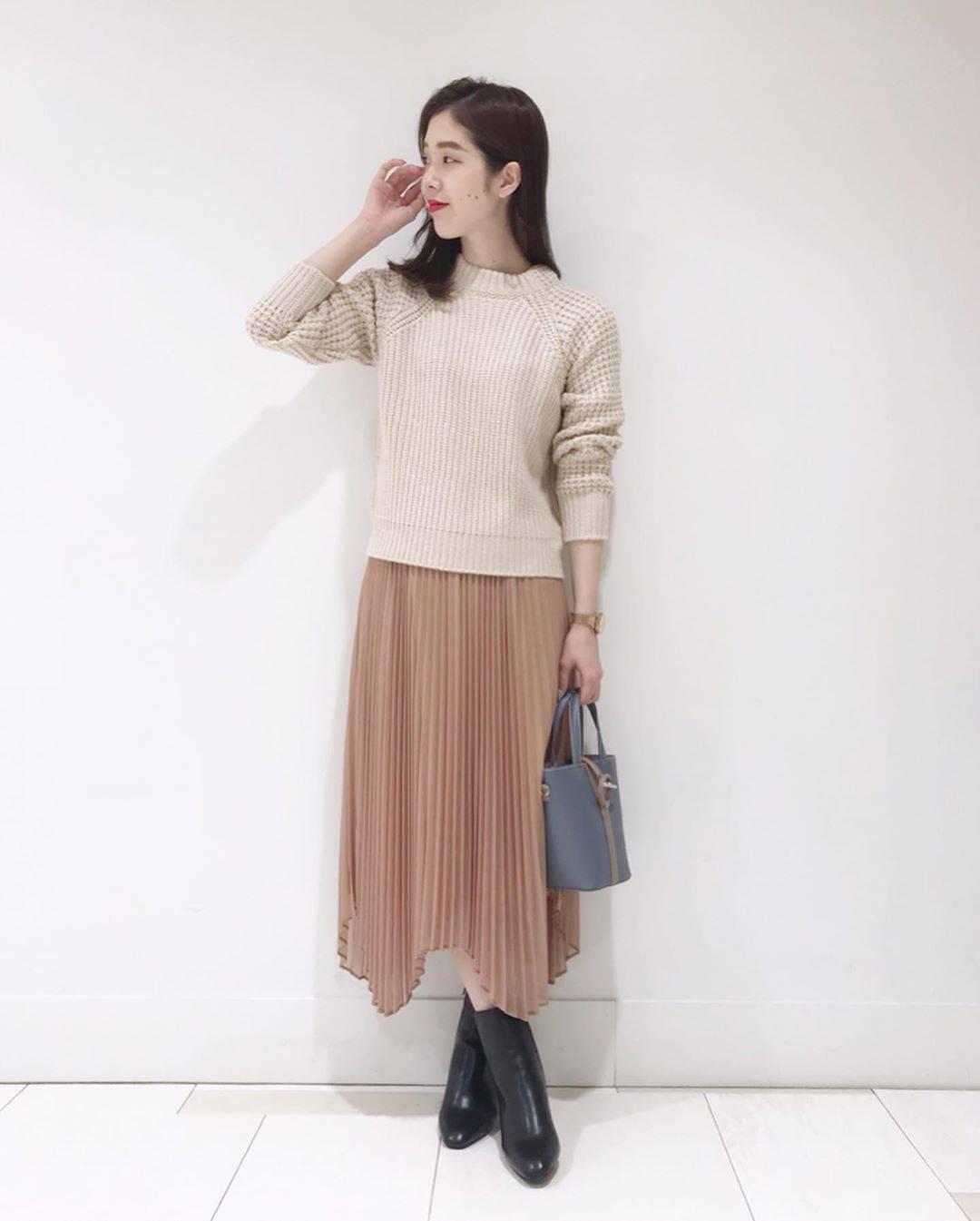 最高気温28度・最低気温19度 hikari_k0122の服装