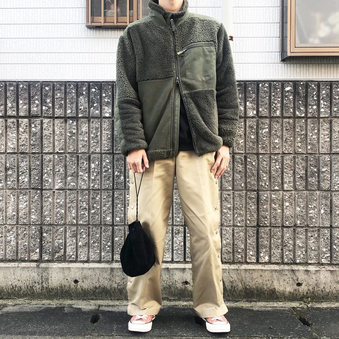 最高気温22度・最低気温9度 kamakama__genの服装