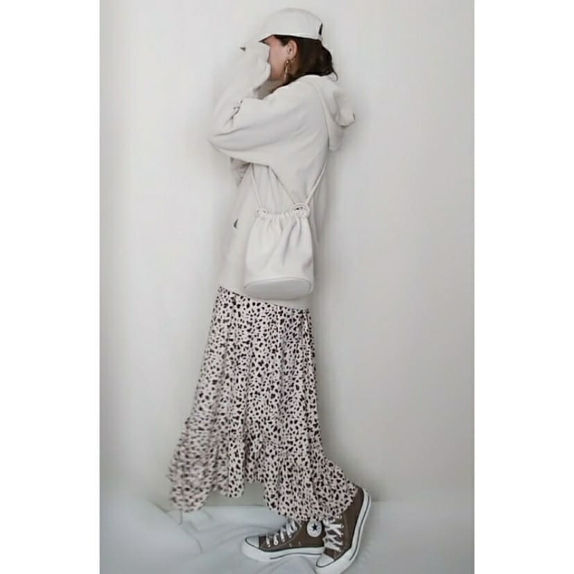 最高気温16度・最低気温13度 mamkorisaの服装