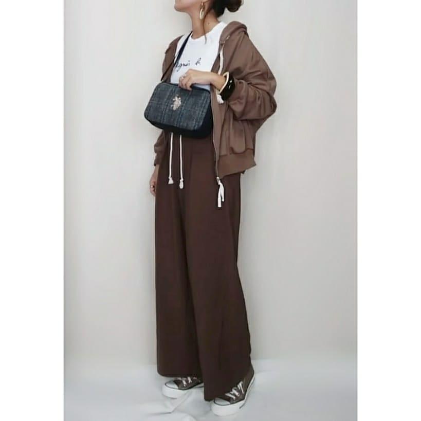 最高気温24度・最低気温12度 mamkorisaの服装
