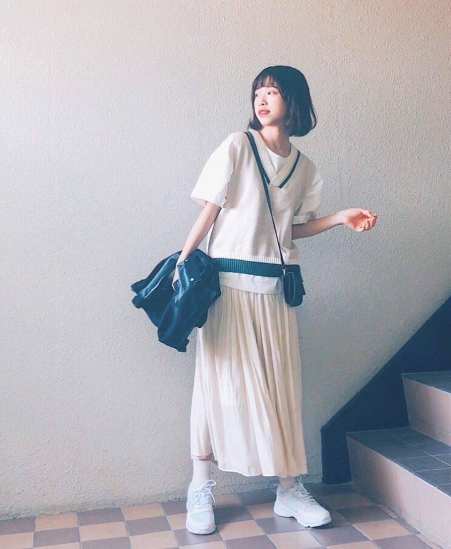 最高気温23度・最低気温12度 natsu_outfitsの服装