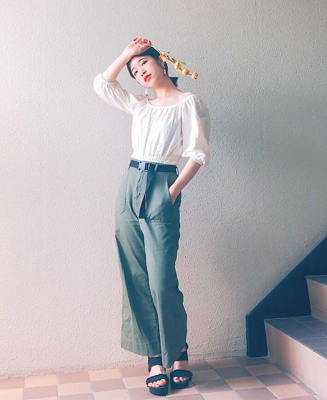 最高気温27度・最低気温15度 natsu_outfitsの服装