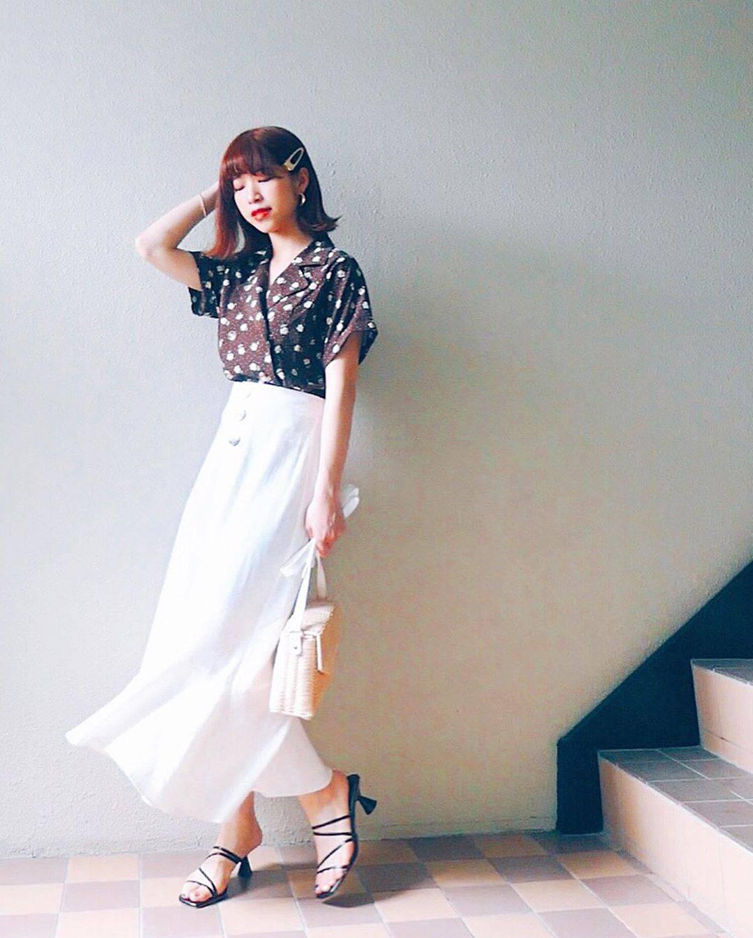 最高気温28度・最低気温22度 natsu_outfitsの服装