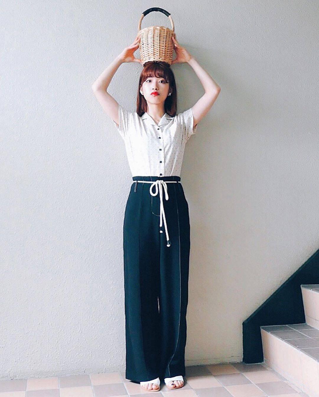 最高気温24度・最低気温17度 natsu_outfitsの服装
