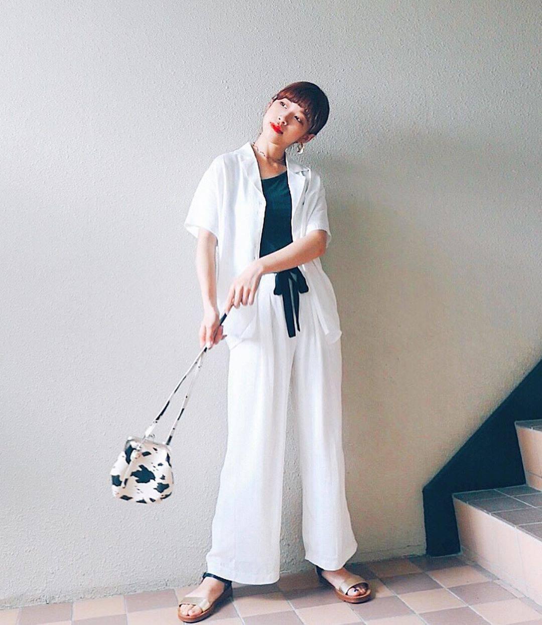 最高気温27度・最低気温20度 natsu_outfitsの服装