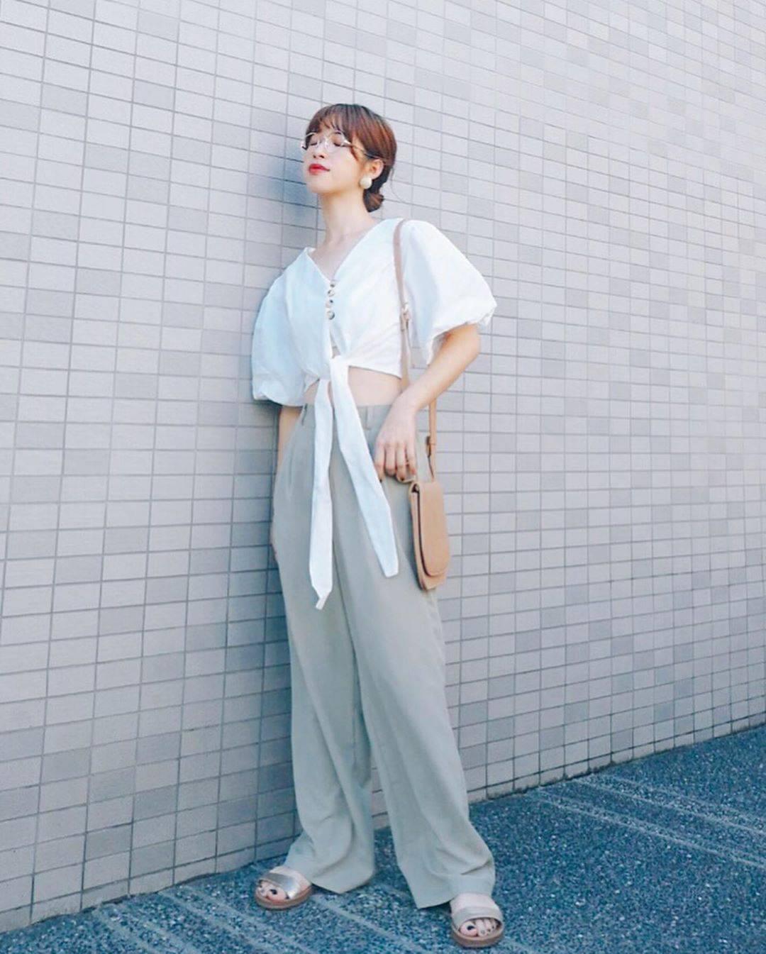 最高気温31度・最低気温24度 natsu_outfitsの服装