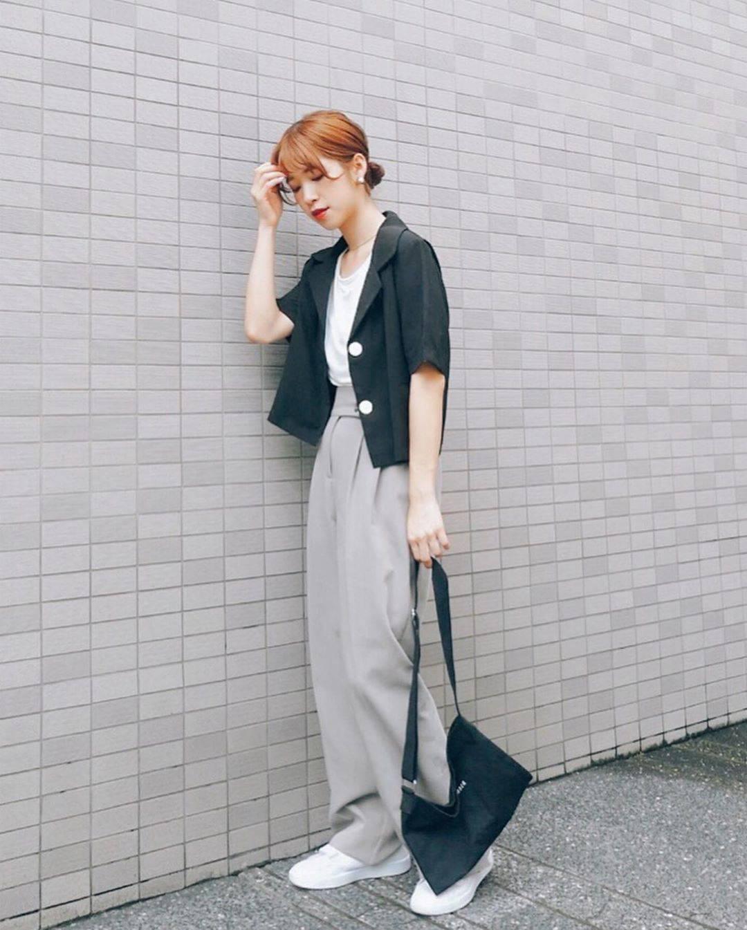 最高気温29度・最低気温21度 natsu_outfitsの服装