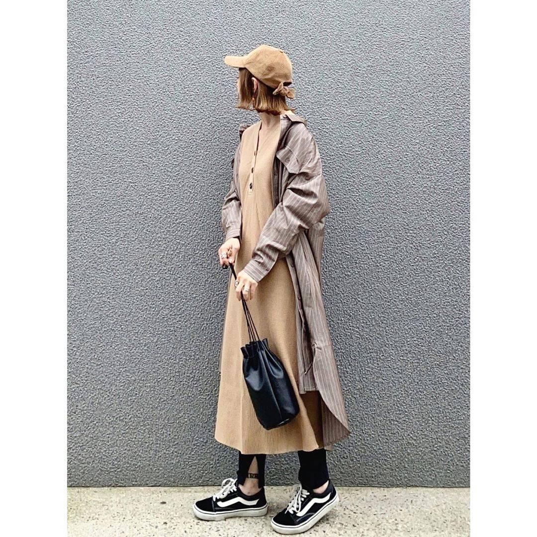 最高気温18度・最低気温14度 rainbowkwok2の服装