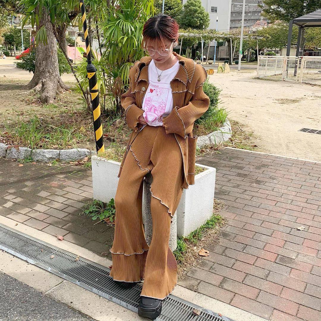 最高気温21度・最低気温14度 rira_yukariの服装