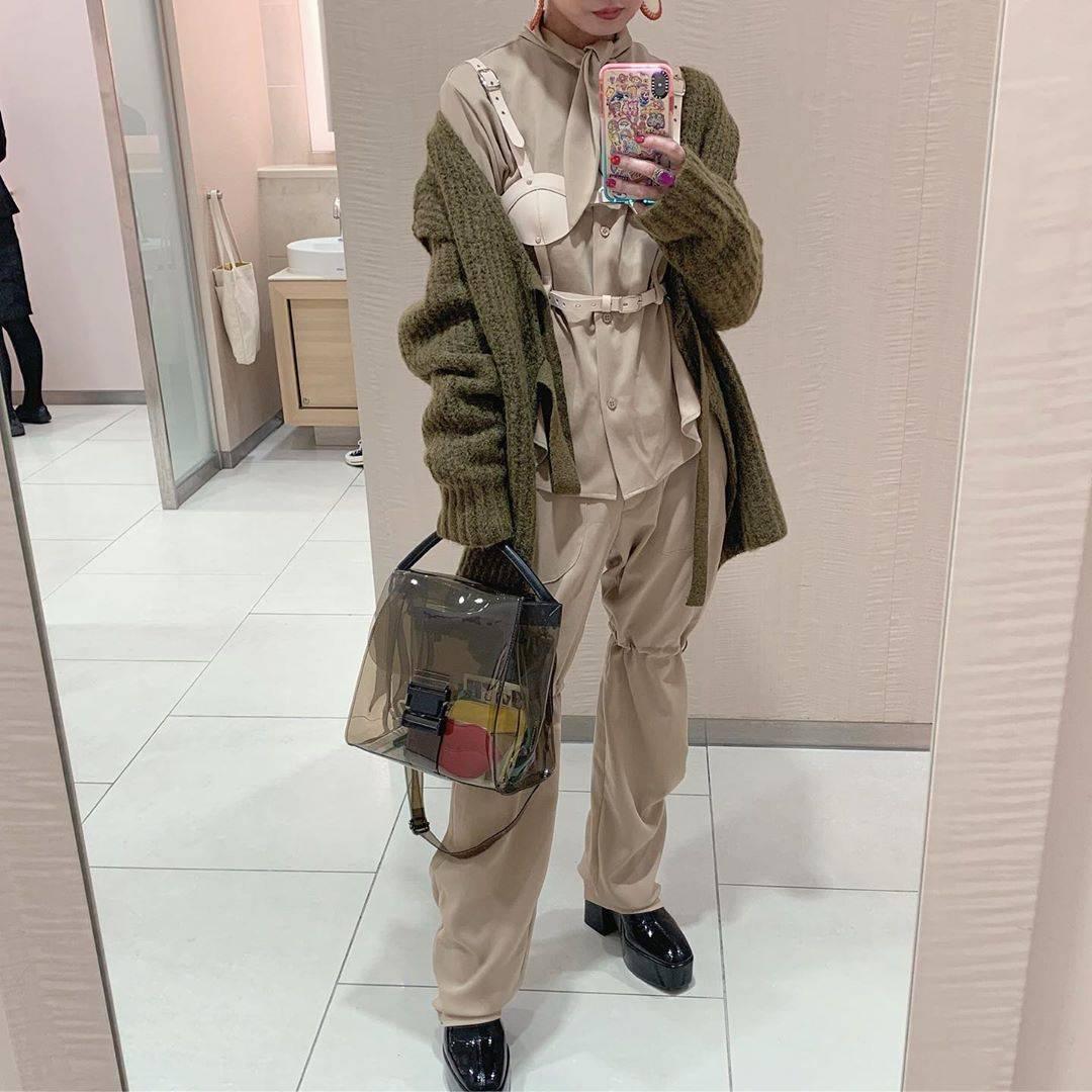 最高気温18度・最低気温7度 rira_yukariの服装