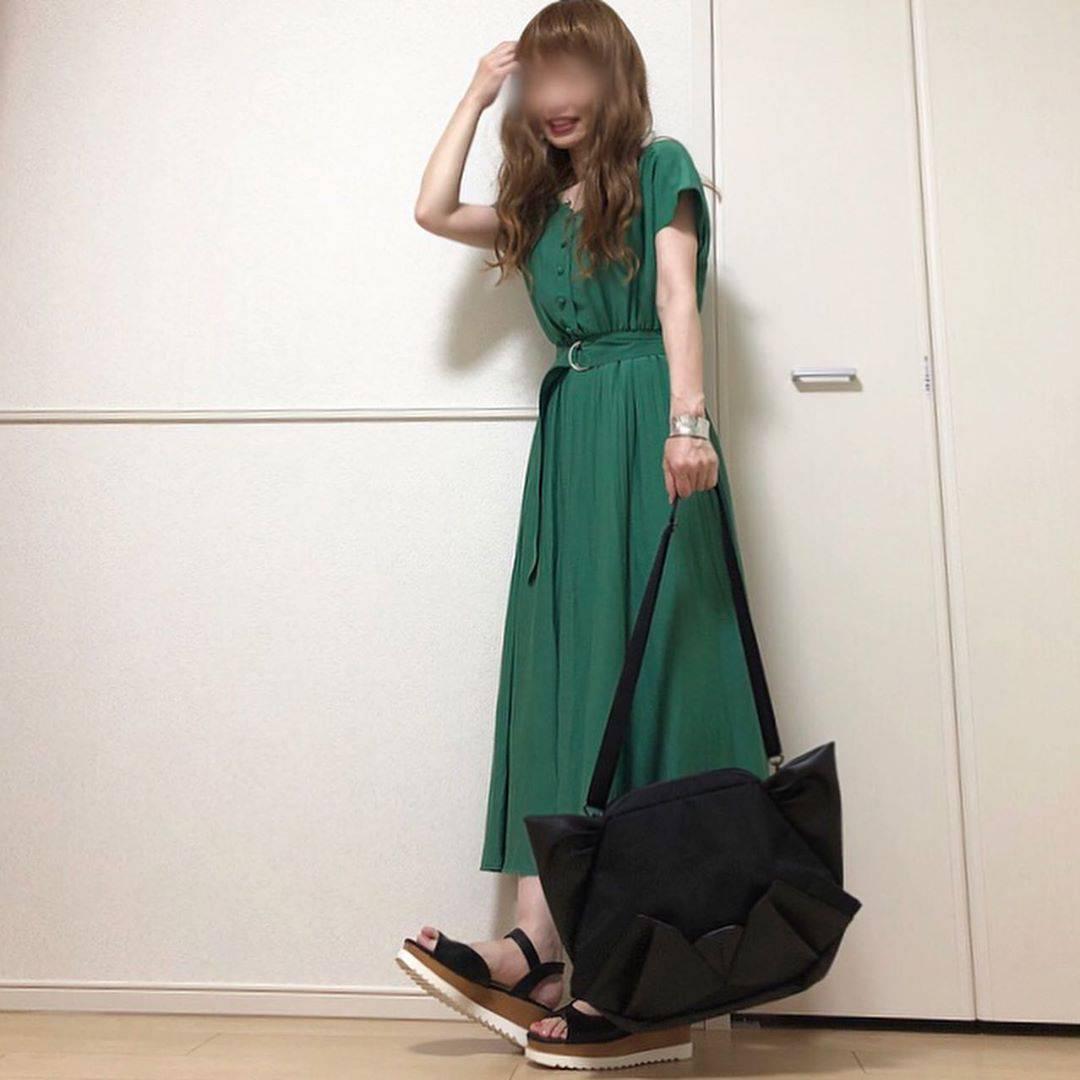 最高気温21度・最低気温19度 takanogunsou0805の服装