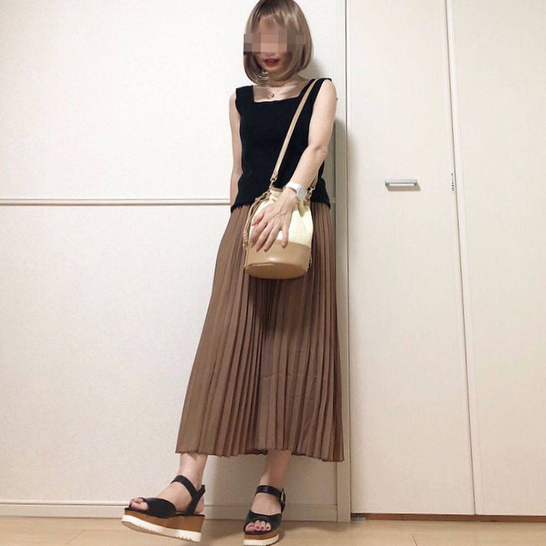 最高気温35度・最低気温26度 takanogunsou0805の服装