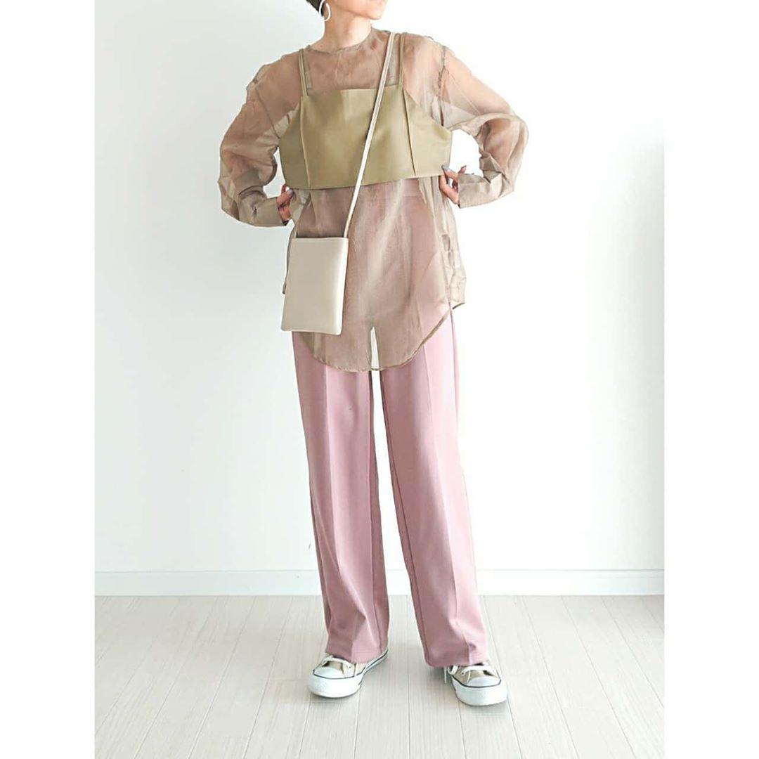 最高気温28度・最低気温17度 ue_004の服装